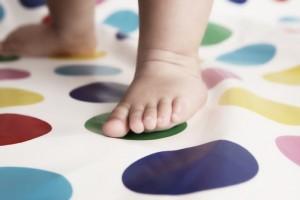 Cột mốc phát triển quan trọng của bé từ 0-4 tuổi mẹ cần biết